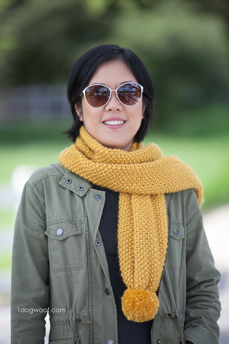 Amber Waves pom-pom scarf, free knitting pattern | www.1dogwoof.com
