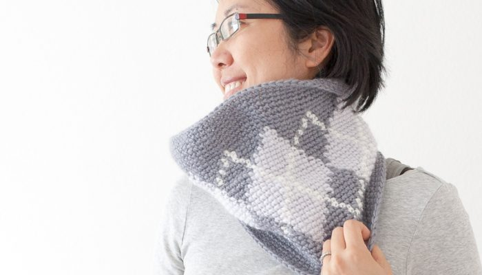 Silverstone Argyle Cowl Using Tapestry Crochet