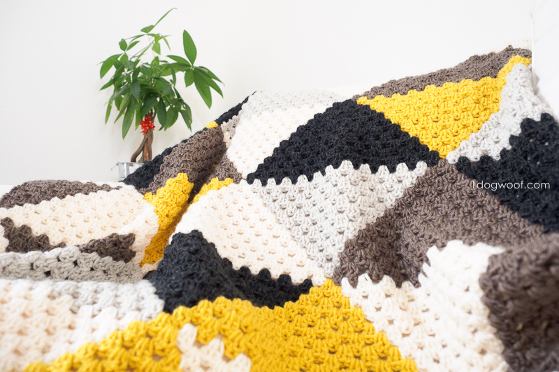 Cozy Love Triangles baby blanket