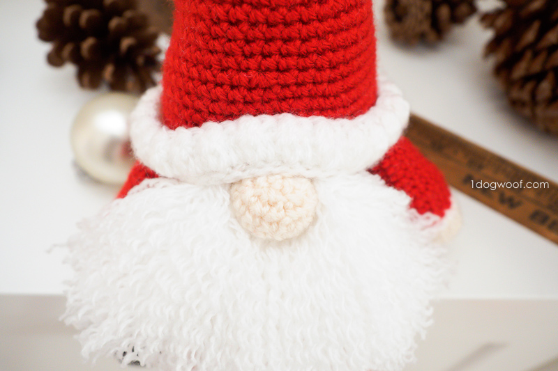 Free Christmas Gnome Crochet Patterns • Free Crochet Tutorials | 533x800