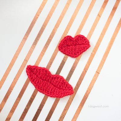2 Crochet Lips Appliques for Photobooth Props