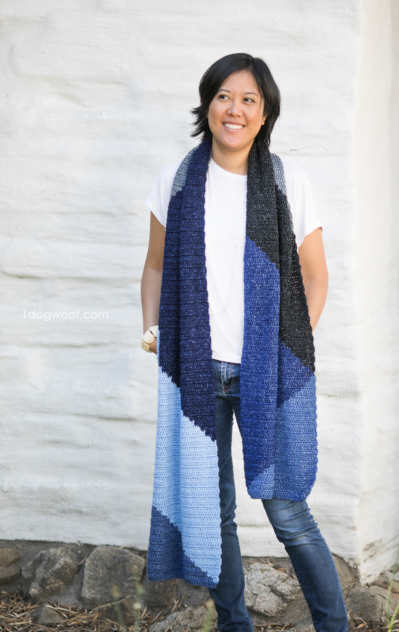 Simple and beautiful crochet scarf wrap inspired by geometric tangrams. Free pattern from www.1dogwoof.com