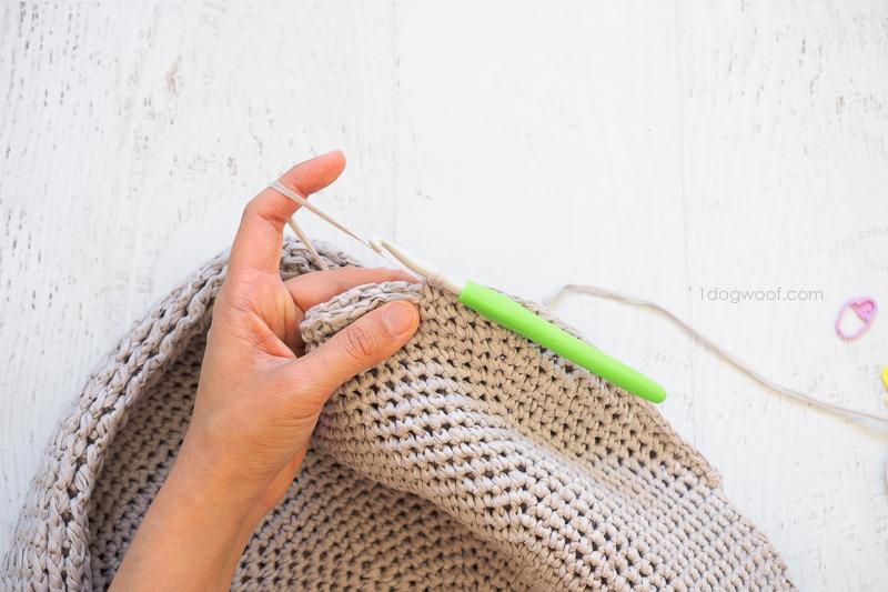 Sonoma Circle Bag Crochet Pattern - One Dog Woof