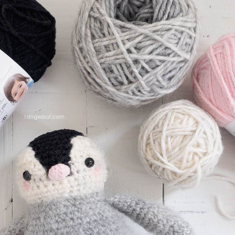 separate color yarn cakes