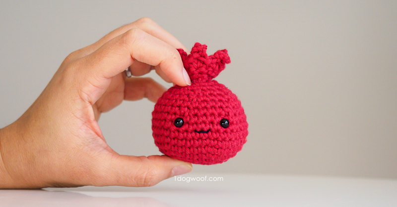 amigurumi pomegranate