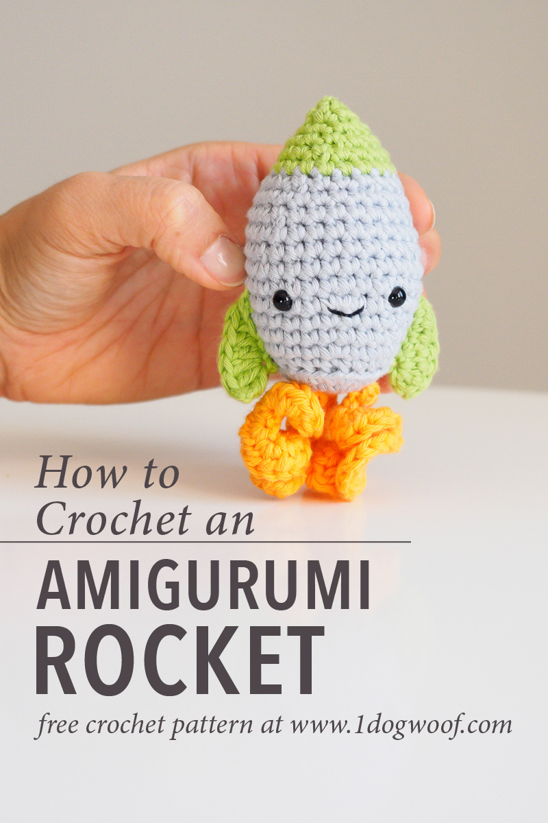 amigurumi rocket pin