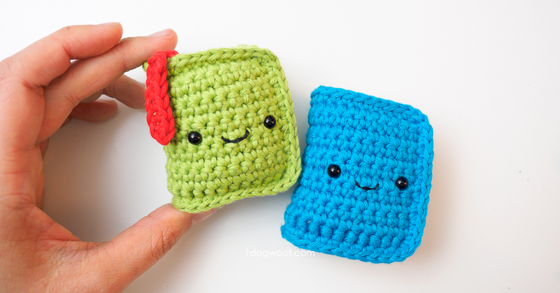 Mini Amigurumi by Sara Scales – Craft Book Review – Tin Teddy | 419x800