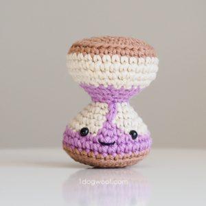 Amigurumi hourglass