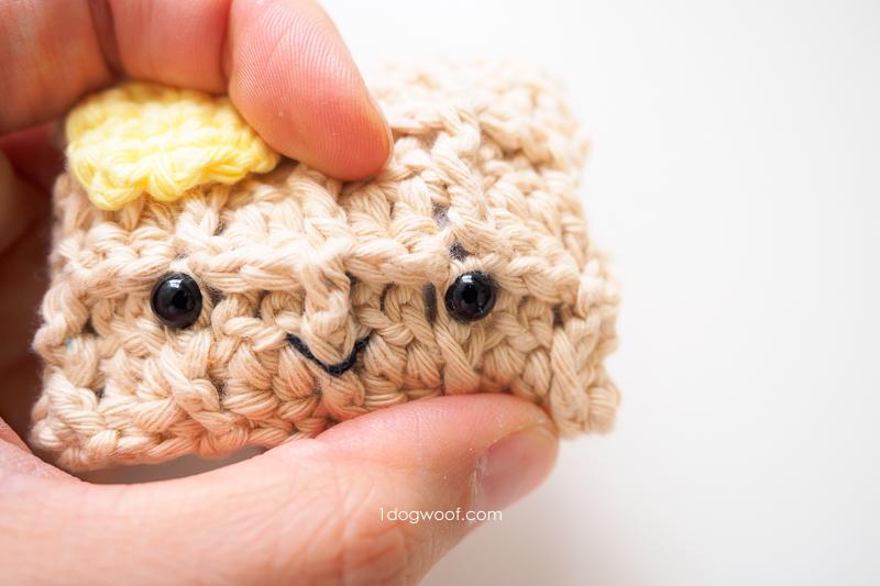 detail on amigurumi waffle eyes