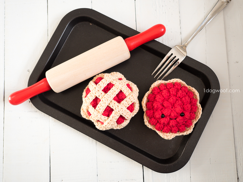 crochet cherry pie and tart play food
