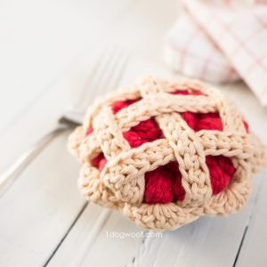 crochet cherry pie with fork