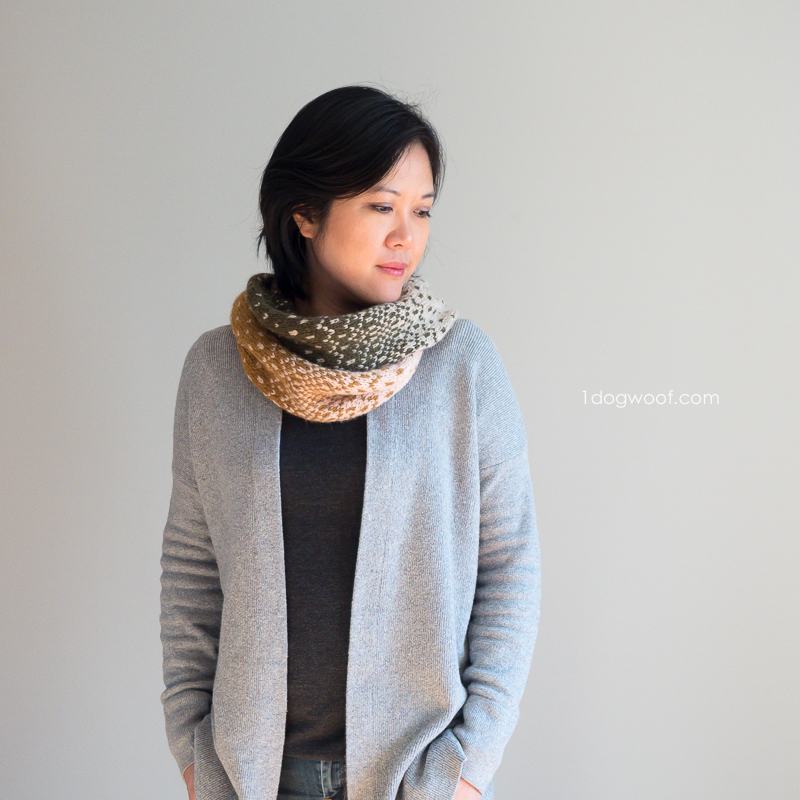 free stranded knitting pattern for cowl with subtle blend of colors