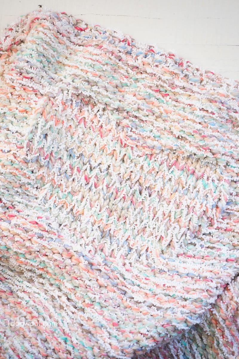 heart motif in Snowcone Blanket