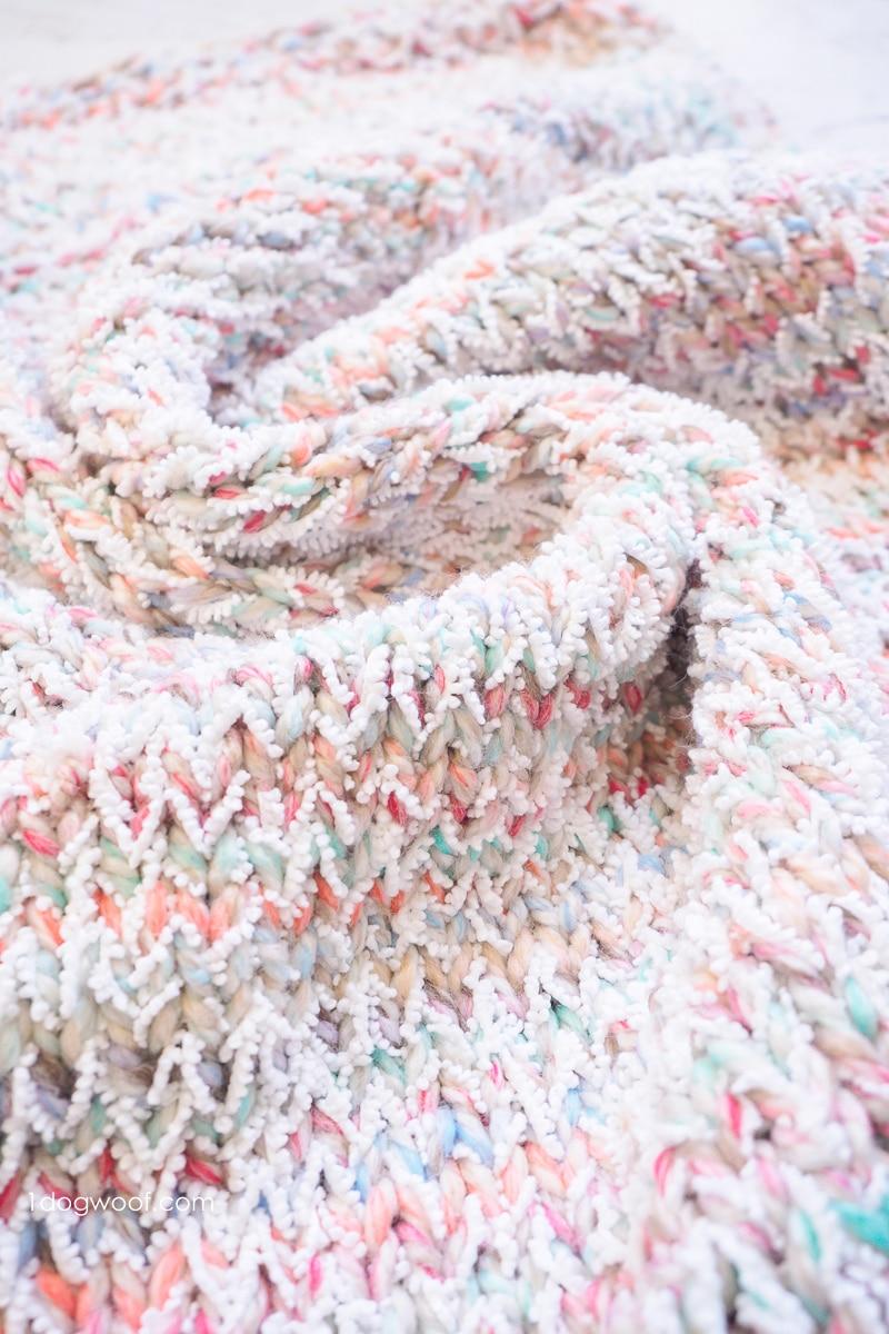 Snowcone Heart Blanket Free Knitting Pattern - One Dog Woof