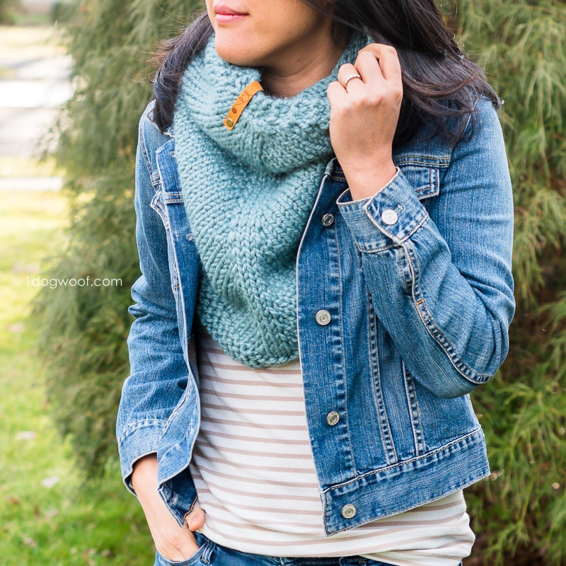 cactus cowl knitting pattern in Succulent colorway