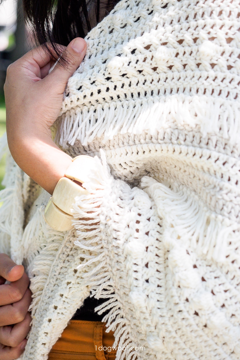 close-up of stitch texture in fringe wrap