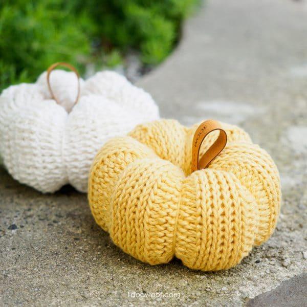 crochet yarn pumpkin